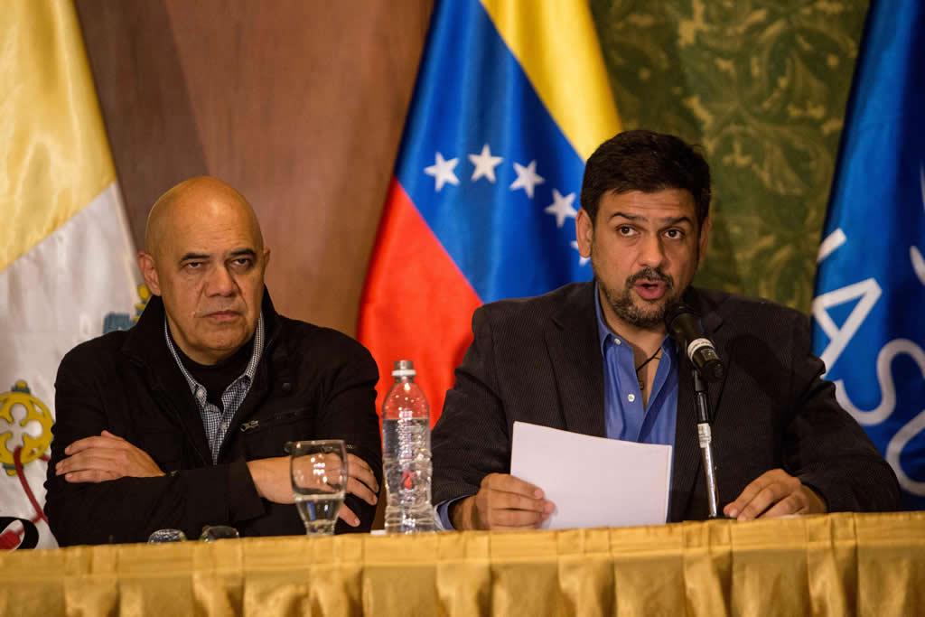 Oposición pide a Unasur exigir a Gobierno venezolano cumplir acuerdos diálogo