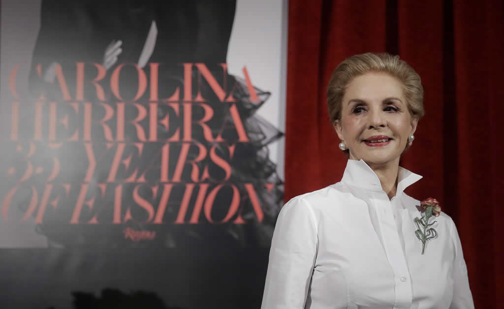 Carolina Herrera celebra cinco lustros en la moda