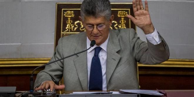 Oposición venezolana suspende marcha a Miraflores por petición de la Iglesia