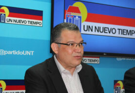 Oposición venezolana pide que diálogo sirva para resolver la crisis económica