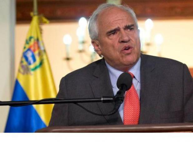 Representantes de Gobierno y oposición venezolana acuden a cita de diálogo