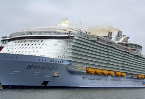 """Comienza primer viaje del mayor barco del mundo desde su nueva """"casa"""" en Fort Lauderdale"""