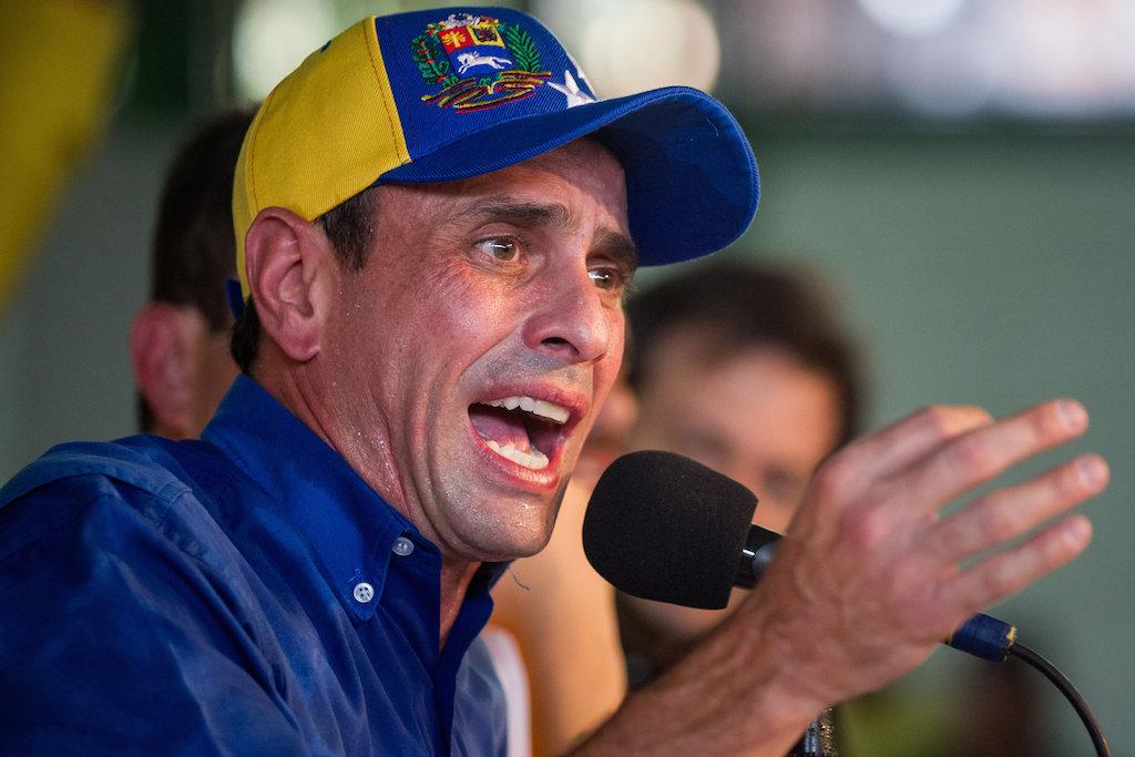 Capriles llama a retomar manifestaciones contra Maduro