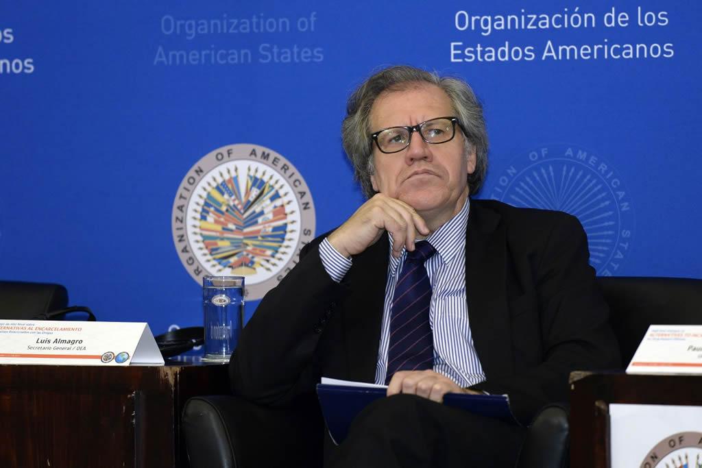 Almagro dice que mediación debe convencer a Maduro de respetar Constitución