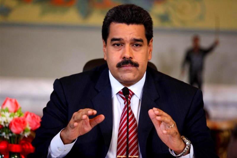 """Maduro dice que Obama es """"indigno"""" por hablar """"tonterías"""" sobre Venezuela"""