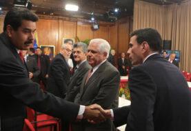 Diálogo político entre Gobierno y oposición continúa contra reloj