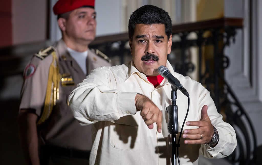 Maduro habló con Kerry sobre mejorar las relaciones