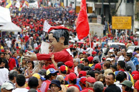 """Maduro dice oposición crea """"falsas expectativas"""" sobre resultados del diálogo"""