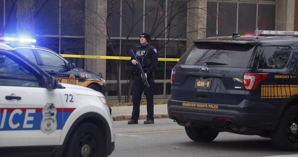 Atacante en universidad de Ohio arrolló con su auto y acuchilló a 9 personas