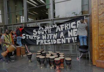Miles de personas exigen en las calles de Sudáfrica la marcha de Zuma