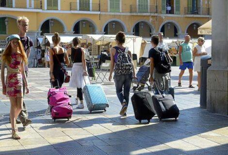 Turistas extranjeros gastan en España un 7,6 % más hasta septiembre
