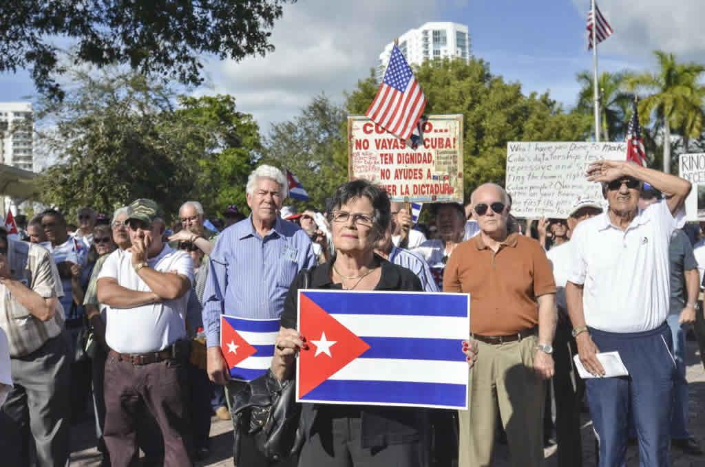 Exilio cubano reacciona ante triunfo de Trump