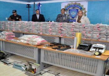 Decomisan 1.100 paquetes de droga en costa sur de la República Dominicana