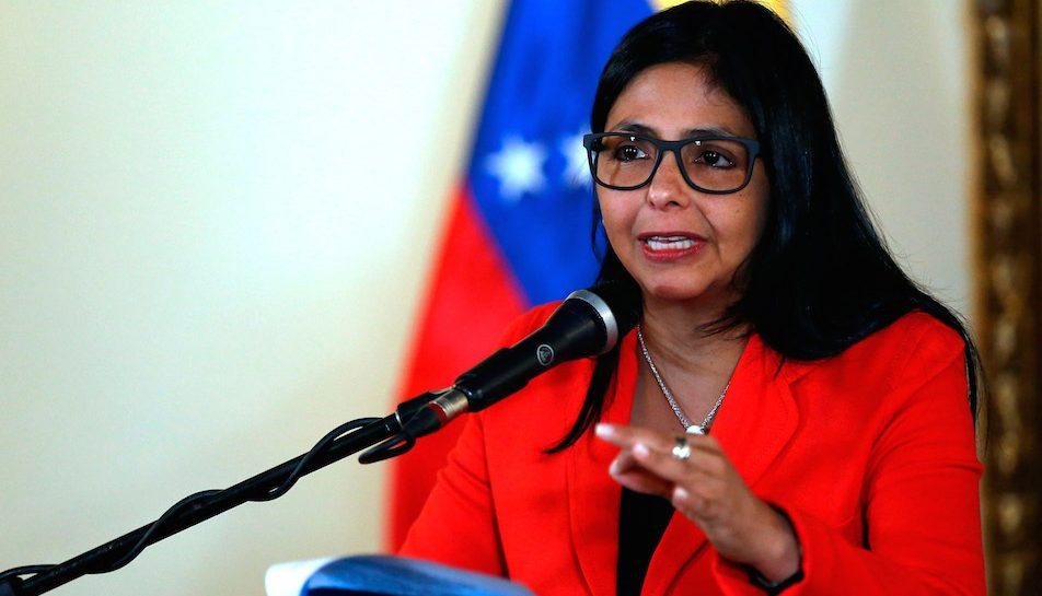 Delcy Rodríguez demandará Capriles por vincularle a caso narcosobrinos