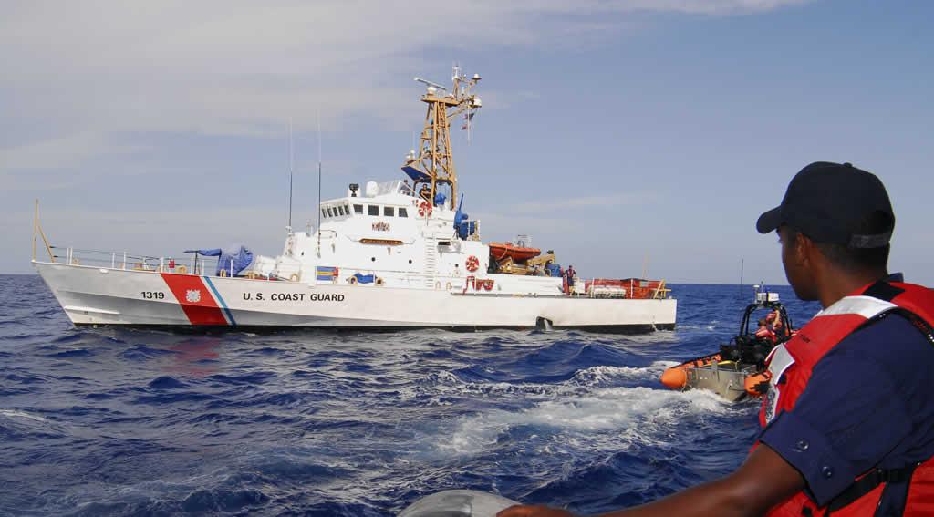 Guardia Costera de EE.UU. repatría a 90 cubanos interceptados en el mar