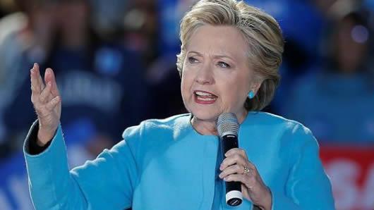 El cuartel general de Clinton encara tramo final con cansancio y emoción