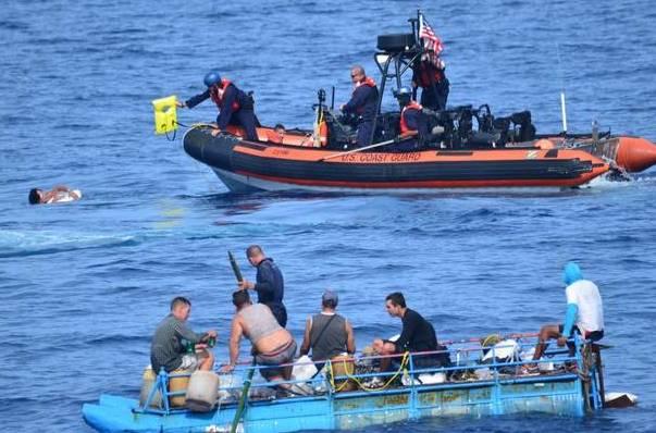 EE.UU. repatría a 62 inmigrantes cubanos interceptados en el mar