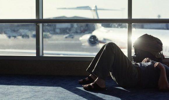 """El """"jet lag"""" aumenta riesgo del cáncer de hígado"""