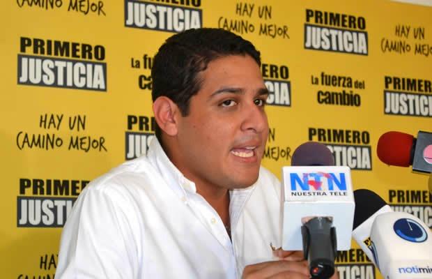 "Opositor venezolano acusa a Gobierno de ""robar"" carga de ayuda humanitaria"