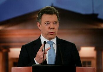 Santos promete a los inversores británicos un nuevo acuerdo de paz