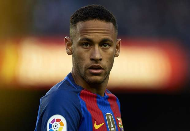 Piden cárcel a Neymar y multa de 195 millones para el Barça