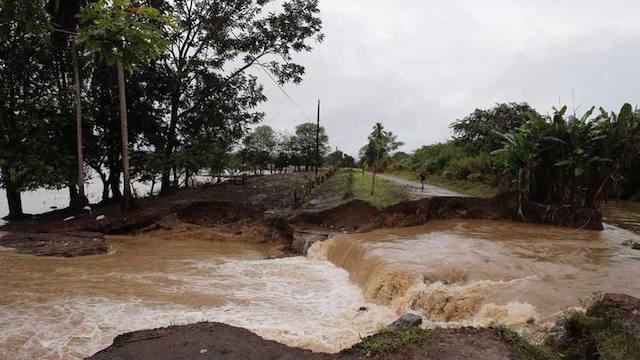 Confirman al menos tres fallecidos por el huracán Otto en Costa Rica