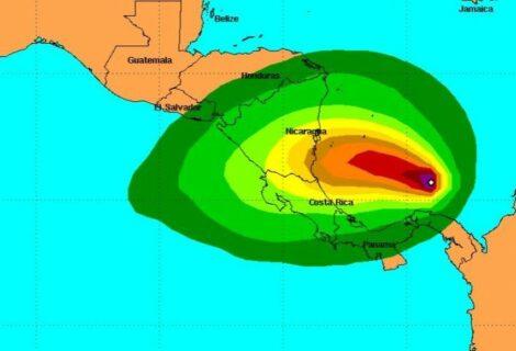 Otto se convierte en huracán en su camino hacia Costa Rica y Nicaragua