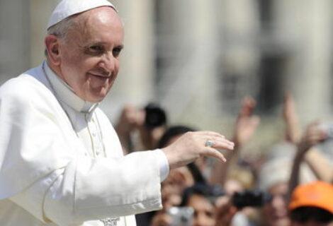 El papa habló de inmigración y secularización en vuelo de regreso de Suecia