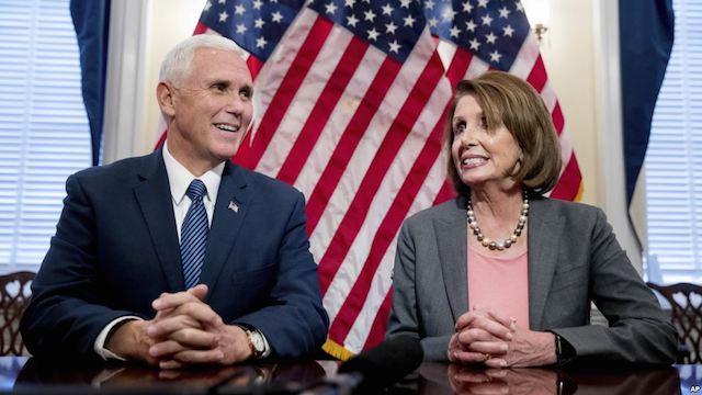 Vicepresidente electo Pence se reúne con líderes del Congreso