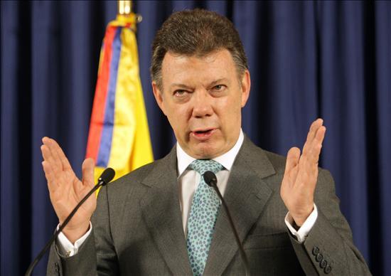 Nuevo acuerdo de paz garantiza seguridad jurídica a militares dice Santos
