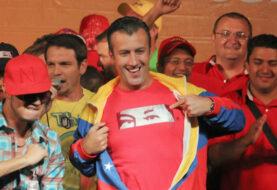 """El Aissami dice que Capriles es """"amenaza"""" para diálogo"""
