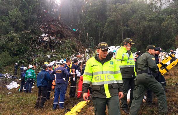 Pilotos apuntan a falta de combustible como posible causa de accidente avión