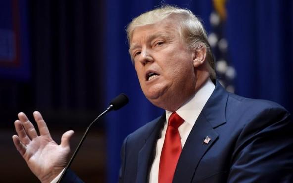 Trump ataca reforma sanitaria de Obama y Clinton critica misoginia de magnate
