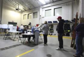 Cierran los primeros centros de votación en las elecciones de Estados Unidos