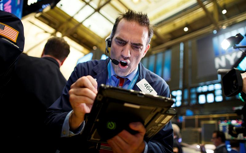 Wall Street cierra mixto y el Dow Jones firma su tercer récord consecutivo