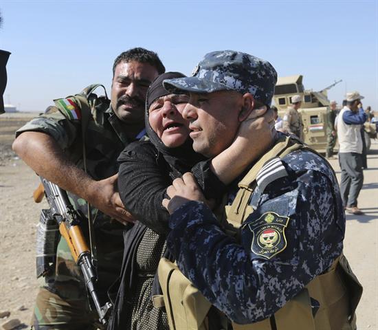 Reencuentros que acaban con dos años separados por los yihadistas en Irak