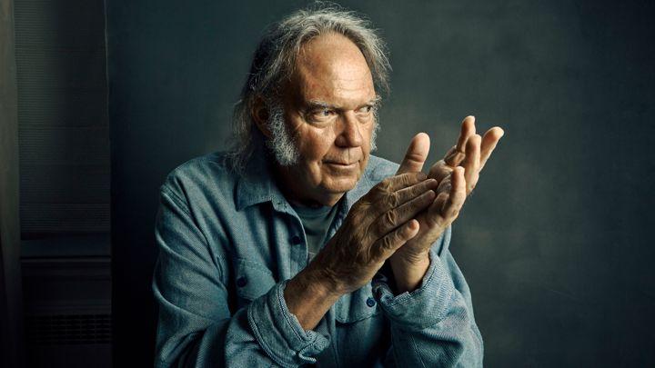 Neil Young lanzará el 9 de diciembre un nuevo disco de estudio