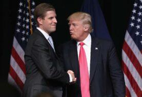 Trump lamenta que su hijo suspenda su fundación por conflicto de intereses