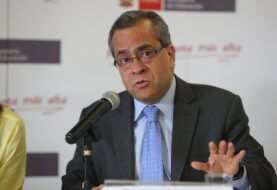 Congreso peruano aprueba censura contra ministro de Educación Jaime Saavedra