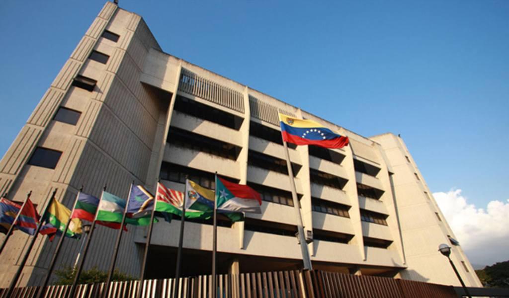 TSJ se adelanta al Parlamento y jura a rectoras electorales