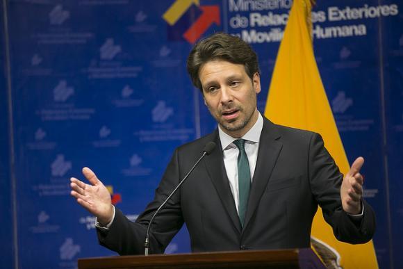 Ecuador ratifica disposición de acoger diálogos entre ELN y Gobierno Colombia