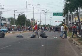 Otorgarán créditos a comercios afectados por disturbios en estado venezolano