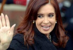 Cristina se queja de que sus escoltas no pueden viajar con armas