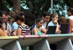Cuba inaugura su primera fábrica de computadores portátiles y tabletas