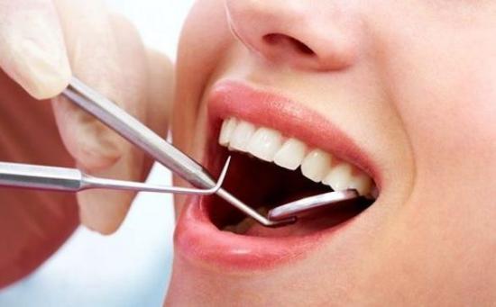 Falso dentista que extrajo diez dientes sin anestesia enfrenta cargos en EEUU