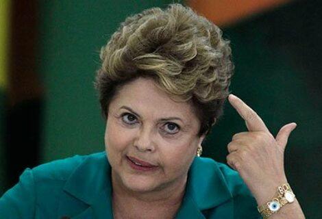 """Rousseff critica """"pequeñez"""" del Gobierno brasileño por suspensión a Venezuela"""