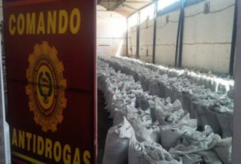 Incautan en Colombia dos toneladas de cocaína del cartel mexicano Los Zetas