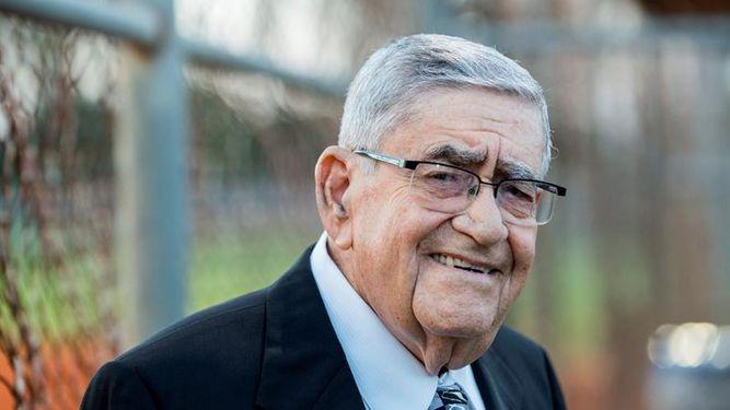 """Veterano comentarista radial """"Felo"""" Ramírez es homenajeado"""