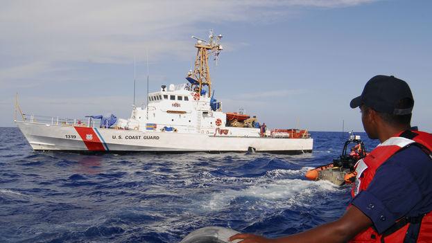 EE.UU. repatría a 38 inmigrantes cubanos interceptados en el mar