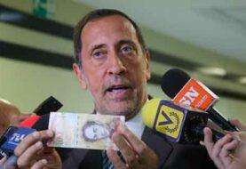 Diputado venezolano dice adaptación cajeros a nuevos billetes tardaría un mes